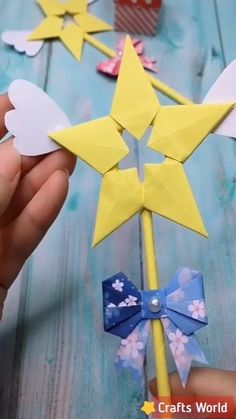 Terrific Absolutely Free Paper Crafts origami Thoughts Searching for new hobby concepts? Without causing your own house, you can find printable paper craf Paper Folding Crafts, Paper Flowers Craft, Paper Crafts Origami, Paper Crafts For Kids, Origami Art, Diy Arts And Crafts, Flower Crafts, Creative Crafts, Creative Ideas