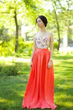 Este vestido es como mas casual y natural...pero es perfecto para fiestas de día...