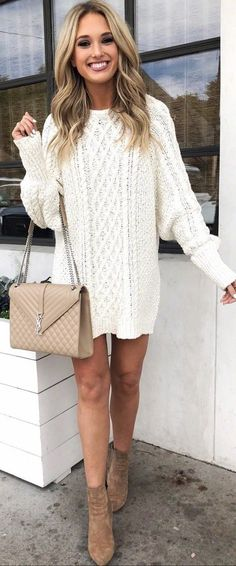 These trending pretty outfit ideas are to protect us from the chilly weather in this winter. These outfits are very fashionable and followed by most fashion-forward women across the world.