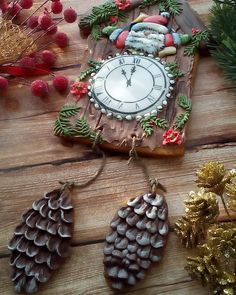 автор идеи Елена Кортусова Winter Christmas, Christmas Time, Christmas Crafts, Christmas Ornaments, Holiday, Christmas Clock, New Years Cookies, Cute Cookies, Christmas Cookies