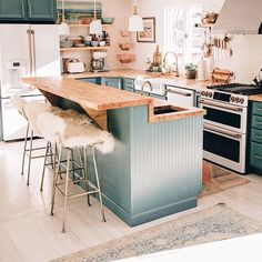 Outstanding modern kitchen room are available on our internet site. Home Decor Kitchen, New Kitchen, Interior Design Living Room, Home Kitchens, Kitchen Ideas, Kitchen With Living Room, Kitchen Decorations, Updated Kitchen, Kitchen Reno