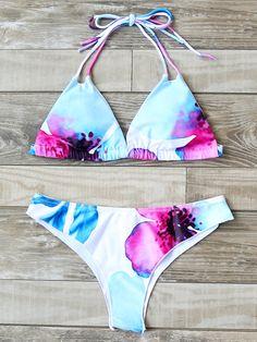 Shop Printed Triangle Beach Bikini Set online. SheIn offers Printed Triangle Beach Bikini Set & more to fit your fashionable needs.