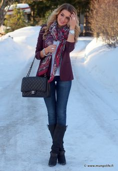 cute simple winter outfit but meanwhile if there was snow on the ground id be wearing way more than a cardigan
