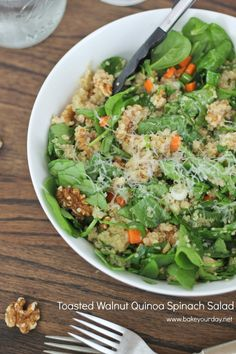 Toasted Walnut Quinoa Spinach Salad | bakeyourday.net  made by @Cassie Laemmli | Bake Your Day