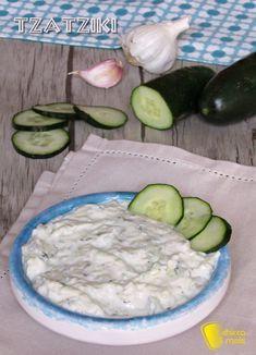 verticale_Tzatziki ricetta originale della salsa greca allo yogurt e cetrioli il chicco di mais