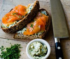 Who needs the top slice? This smoked salmon with herb butter tartine makes for an elegant lunch for entertaining guests or yourself. Salmon Recipes, Seafood Recipes, Cooking Recipes, Healthy Recipes, Herb Recipes, Cooking Tips, I Love Food, Good Food, Yummy Food