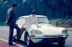WEBSTA @ breakberline - Lovely period shot #classiccar #carspotting #citroen #citroends #frenchclassics #citroenid #citroencx #citroenxm #citroensm #citroenhy #danssonjus #citroenclassic #citroendschapron #citroengs #citroen2cv #