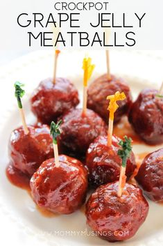 Grape Jelly Meatballs are the ultimate party appetizer! Grape Jelly Meatballs are the ultimate party appetizer! 3 Ingredient Party Meatballs made with Gra Baby Shower Food Menu, Baby Shower Appetizers, Baby Shower Finger Foods, Baby Shower Food For Girl, Baby Shower Snacks, Appetizers For Party, Appetizer Recipes, Party Recipes, Baby Shower Recipes