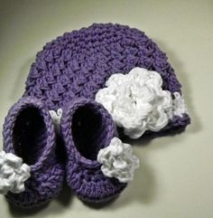 New Baby Gift purple and white hat and booties with rose size 0 to 3 months ready to ship