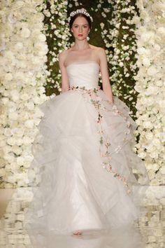Pin for Later: Best Of: Les Plus Belles Robes de Mariée de la Bridal Fashion Week 2015 Reem Acra Bridal Automne 2015