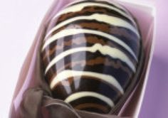 Recipe for marbled chocolate easter egg
