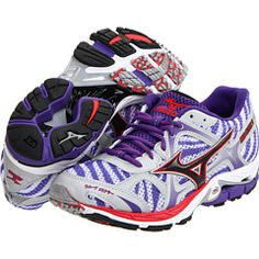 """Mizuno Wave Elixir 7 - """"A running shoe designed for the moderate over-pronator who requires a combination of cushioning and enhanced stability."""" -- Really want to try these since my NB's are totally worn out"""