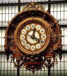 Musée d'Orsay Clock - Paris, France