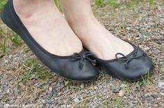 Ballerina Flats, Ballet Flats, Ballerinas, Mango Necklace, Girls Wear, Shoe Shop, Cute Shoes, Army Green, High Heels