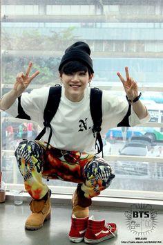 Suga a. Yoongi from bangtan Bts Suga, Min Yoongi Bts, Bts Bangtan Boy, Namjoon, Foto Bts, Bts Photo, Daegu, Yoonmin, Rapper