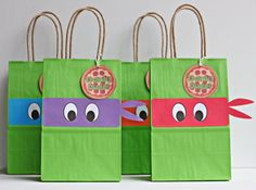 These ninja turtle bandana goody bags will add fun and whimsy to your party! Best of all, they are ready-made so all you have to do is add the goodies!  This order is for 12 READY-MADE goody bags measuring 8 1/8H, 5 1/4W, and 3 1/4D with handles (handles not included in measuring bags). They are handmade with premium cardstock cutouts. You will receive 3 of each bandana color unless otherwise specified in the NOTE TO SELLER.  If you have any special requests, just convo me and I will…