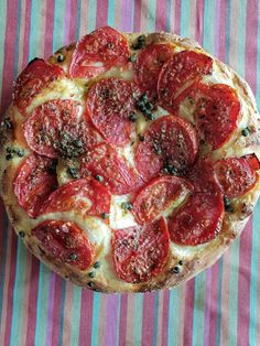 Pepperoni, Bread, Food, Inspiration, Pizza, Vegetarian Cooking, Basket, Recipes, Bakery Business