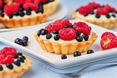 Mini Tarts with raspberries blueberries and custard filling (in Polish) Custard Filling, Blueberry, Waffles, Raspberry, Cheesecake, Berries, Food Porn, Food And Drink, Pudding