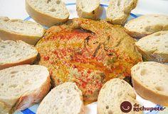 Una salsa espesa, puré o paté elaborado a partir de garbanzos cocidos y condimentado al estilo griego o árabe, una receta deliciosa y muy nutritiva. Preparación paso a paso y foto.