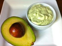 A simple wasabi sauce dresses up grilled tuna beautifully. It's quick and easy and makes an otherwise unadorned tuna steak special. Since I started adding avocado to my wasabi sauce, … Salsa De Wasabi, Wasabi Sauce, Tuna Avocado, Mashed Avocado, Avacado Dip, Avocado Quesadilla, Ripe Avocado, Sauce Recipes, Gastronomia