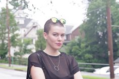 forever 21 mirrored sunglasses // zara dress // buzz cut // kellydougher.com