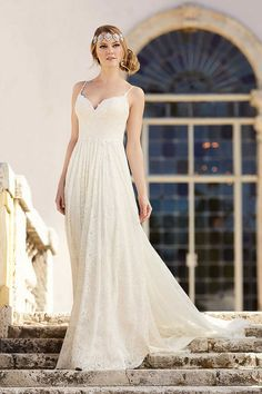 What a romantic wedding dress from the Martina Liana collection!