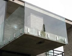 Remarkable Glass Railing Design for Balcony Fence - Page 2 of 52 Glass Handrail, Glass Railing System, Balcony Glass Design, Railing Design, Stylish Kitchen, Custom Glass, Island Design, Contemporary Bathrooms, Awesome Bedrooms
