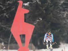 Stephan Keppler absolviert sein Training zur Weltcup-Abfahrt in Kitzbühel, wie die anderen Skirennfahrer auch, wegen der schlechten Bedingungen nur unter Protest.    Die Streif war von über Nacht gefallenem Neuschnee auf der Oberfläche aufgeweicht worden. Da die Temperaturen fallen sollen, wird mit vereisten Löchern gerechnet, die für die Gelenke der Sportler schmerzvoll werden können. (Foto: Robert Jäger/dpa)