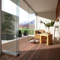 Balkon schön gestalten Balkonideen kompakte Balkonmöbel Rattan