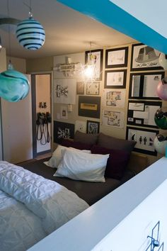 Tiny but very organised bedroom