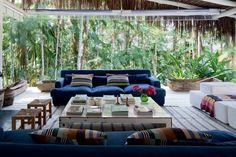 A cabana bacana de Mónica Penaguião  Lar em Paraty une estilos filipino e mediterrâneo