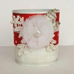 Lata decorada flor en tul