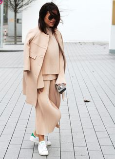 Pastel Plissè from C/MEO Collective / Somegoodspirits / Lou Beyer / Streetstyle #outfit #rose #pastels
