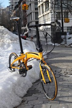 Dahon Vector X27 in the snow by NYCeWheels pictures, via Flickr