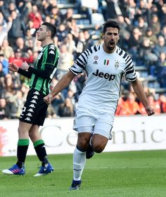 Sami Khedira of Juventus FC celebrates after scoring the goal 0-2 during the Serie A match between US Sassuolo and Juventus FC at Mapei Stadium - Citta' del Tricolore on January 29, 2017 in Reggio nell'Emilia, Italy.