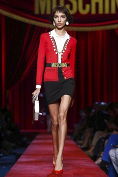 Moschino  Show Ready to Wear Collection Spring Summer 2017 in Milan