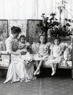 Tsarina Alexandra Feodorovna with Grand Duchess Marie, Grand Duchess Olga and Grand Duchess Tatiana
