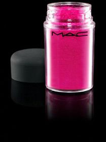 M.A.C pigmented eye shadow. i want this one, perhaps x-mas or if not when i get paid... (Magenta Madness)