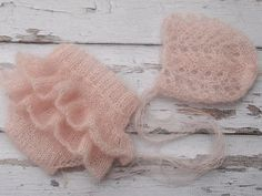 Newborn baby girl hand knitted Ruffled bloomers by MyLittleKnits