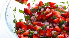 May 2015 - This Strawberry Salsa is sweet, simple to make, and so delicious! Oven Recipes, Salad Recipes, Cooking Recipes, Healthy Recipes, Healthy Snacks, Strawberry Salsa, Strawberry Recipes, Fresco, Vinaigrette Salad Dressing