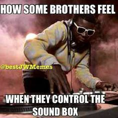 I laughed so hard because I just controlled the sound box for the first time and that's how I felt. LOL ~~ Pretty much.like when a mic goes out. Jw Meme, Jw Jokes, Jw Humor, Bible Humor, Jesus Humor, Funny Quotes, Funny Memes, Hilarious, Jw Funny