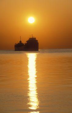 920385 Ore Ship approaching Duluth Minnesota Harbor www.phawkinsphoto.com Peter Hawkins©1992  500px