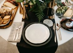 Set a Stunning Thanksgiving Tablescape | LC Living Thanksgiving Tablescapes, Dinnerware, Table Settings, Dinner Ware, Tableware, Dining Set, Table Top Decorations, Place Settings, Flatware