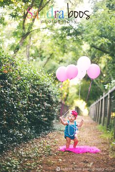 One year old Photography, Outdoor photography, Babies and balloons, I love this image, I had such a great time photographing it as well.