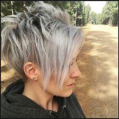 Grau Kurze haare mit pony   Frisuren   Pinterest   kurze Haare mit ...   Einfache Frisuren