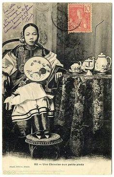 - Postal de una mujer china . Año 1904