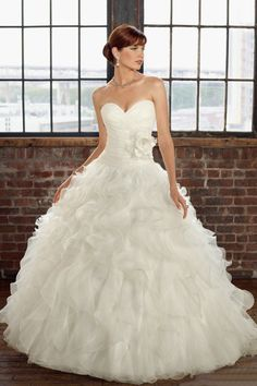 2012 Hot Selling Wedding Dresses Ruffles Ball Gown Sweetheart Sweep/Brush Train Handmade Flower USD 241.99 LDPRSMBLH2 - LovingDresses.com