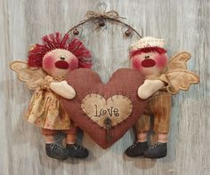 Primitive Valentine Andy Annie Angels with Heart ~ Sew Many Prims pattern model #NaivePrimitive #SewManyPrims