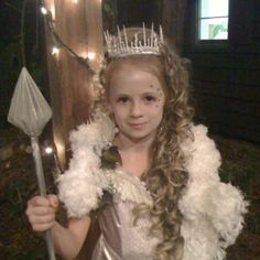Emma as the white witch of Narnia  sc 1 st  Pinterest & Coolest White Witch from Narnia Costume | Pinterest | Narnia ...