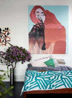 Home of artist Kirra Jamison, from the January/February 2013 issue of Inside Out magazine. Styling by Jason Grant. Photography by Derek Swalwell. Small Bedroom Hacks, San Francisco Girls, Decoration Chic, Turbulence Deco, Blog Deco, Home Bedroom, Bedroom Artwork, Bedroom Fun, Bedroom Decor